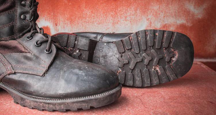 Comment se débarrasser des petits cailloux dans vos bottines d'usine intelligente ?
